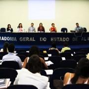 Debate reuniu operadores do Direito, psicólogos e assistentes sociais para discutir mudanças na lei (Fotos: Adaílson Calheiros)