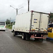 Sefaz analisa documentos fiscais dos veículos abordados nas rodovias. (Foto: Ascom Sefaz)
