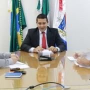 Conversa entre Estado e servidores da Uneal estão conversando sobre a proposição do PCCs. (Foto: Julianne Leão)