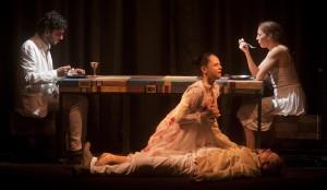 """Sesc apresenta o espetáculo """"Beija-me como nos livros"""" @ Teatro Jofre Soares"""