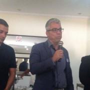 O candidato da Chapa 2, Fernando Falcão, o atual presidente da subseção de Palmeira, Lutero Beleza, e o candidato Klenaldo Oliveira (Foto: Assessoria)