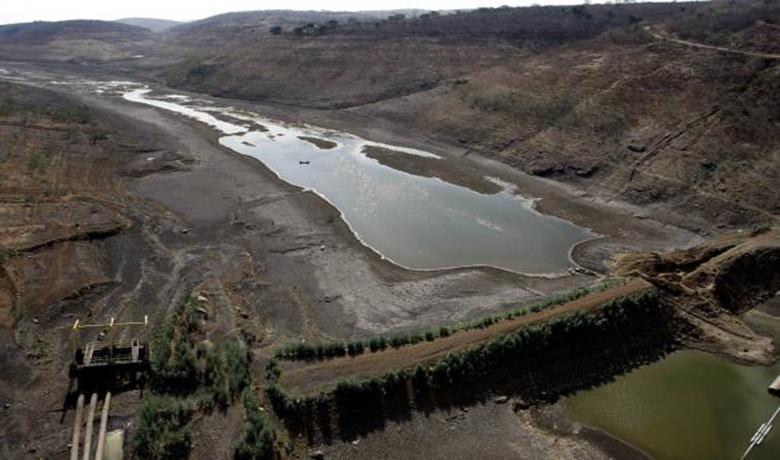 O maior reservatório de água do agreste de Pernambuco opera com volume morto. O nível de água na Barragem de Jucazinho, no município de Surubim, atingiu 0,01% da capacidade  (Compesa/Divulgação)