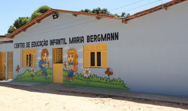 Creche Maria Bergman tem 8 professores, 4 recreadores, 6 auxiliares e uma cuidadora para as crianças especiais, além do pessoal de apoio, que atende a 132 crianças divididas em seis turmas