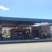 Terminal se estrutura e alvo de reclamação de usuários (Foto: Carolina Sanches/G1)