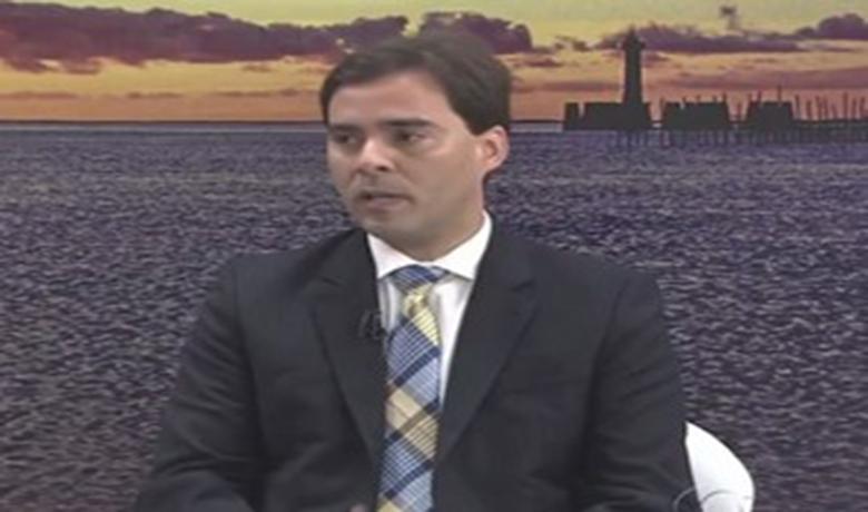 Presidente da Câmara de Maceió, Kelmann Vieira defende reajuste (Foto: Reprodução/TV Gazeta)