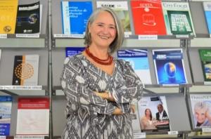 """Integrante da Uncisal desde 2005, professora e pesquisadora Almira Alves atua na área de """"Educação e Saúde"""" e teve artigo aprovado pela Revista Lusófona de Educação.   Ascom"""