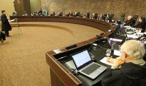Deputado Rodrigo Cunha, no  Pleno do Tribunal de Justiça (Foto: Assessoria)