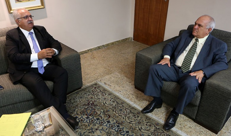 Prefeito Rogério Teófilo e presidente Otávio Praxedes, em reunião no gabinete da Presidência do TJ (Foto: Caio Loureiro)