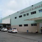 Vítimas foram levadas para o HGE, no bairro do Trapiche, em Maceió (Foto: agenciaalagoas)