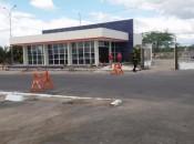 Projeto do posto fiscal de Delmiro Gouveia abrangeu a troca do piso por completo; revisão da coberta; banheiros maiores com chuveiros, entre outras melhorias. Ascom