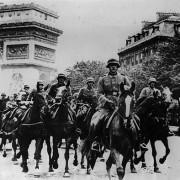 alemaes marcham em Paris