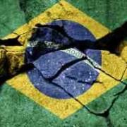 bandeira do Brasil rachada