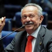 Benedito de Lira votou pelo fim das principais vantagens asseguradas pelos trabalhadores brasileiros (Foto: Diário do Planalto)