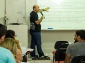 """""""É preciso se manter focado e dar atenção ao que está sendo pedido no edital"""", alerta o professor Jeferson Souza. André Palmeira"""