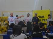 Mestre Pancho, Ronaldo da Costa, que lidera o grupo de Fandango do Pontal, compartilha suas experiências com alunos da Escola Princesa IsabelAscom/Secult