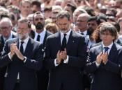 Rei Felipe 6º (centro) junto ao chefe de governo Mariano Rajoy e o presidente catalão Carles Puigdemont. Foto: Reuters