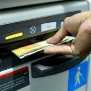 caixa-eletronico-dinheiro-pagamento