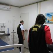 Foram analisados ainda quesitos de acessibilidade às dependências das clínicas para pessoas com deficiência, tais como rampas e banheiros, materiais de uso clínico dos profissionais