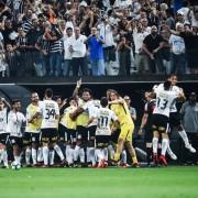 Jogadores do Corinthians, comemoram gol contra o Fluminense, pela 35ª rodada do Campeonato Brasileiro, no Itaquerão (Heitor Feitosa/)