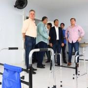 Ministro Marx Beltrão, prefeito Joaquim Beltrão e dirigentes do hospital de Coruripe