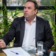 Luciano Barbosa, governador em exercício
