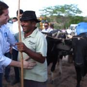 Ministro alagoano assegurou recursos para finalização de convênio que beneficia diretamente 4 mil famílias de baixa renda