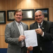 Ministro Marx Beltrão deu a boa notícia ao prefeito de Paulo Jacinto, Marcos Lisboa