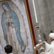 Papa celebra missa pela festa da Virgem de Guadalupe (foto: ANSA)