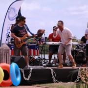Verão Pajuçara, apresentado por Beto Café e Bruno Ventura, conta com cinco programas e quinze pílulas.