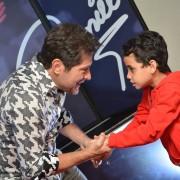 O pequeno Arthur, de 7 anos, ficou encantado em conhecer o seu ídolo (Foto: Vandinho Tellis)