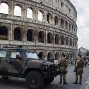 Roma reforçou a segurança no Coliseu por temor de ataques (foto: ANSA)