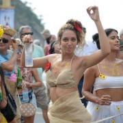 Blocos arrastaram no Rio 755 mil foliões neste domingo, segundo prefeitura