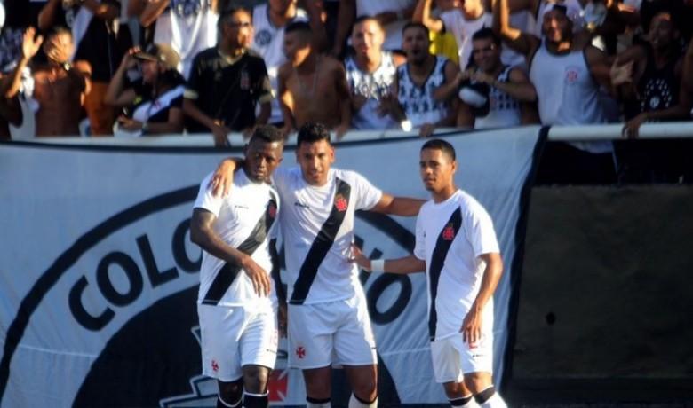 Vasco vence Botafogo em jogo de 5 gols e rivais vão se reencontrar na semifinal