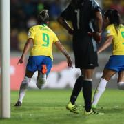 Os gols brasileiros contra a Colômbia foram marcados por Mônica (duas vezes) e a veterana Formiga
