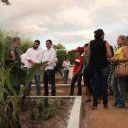 As fossas são forte instrumento de educação ambiental, inseridas em escolas da rede municipal