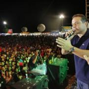 Governador Renan Filho na 30ª Festa do Trabalhador de Carneiros reuniu mais de 20 mil pessoas na noite de sábado e madrugada deste domingo (29) Foto: Thiago Sampaio