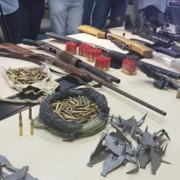Fuzis, pistolas, muniçõe e explosivos foram apreendidos com quadrilha - foto Larissa Wilson (2) (Fotos: Larissa Wilson